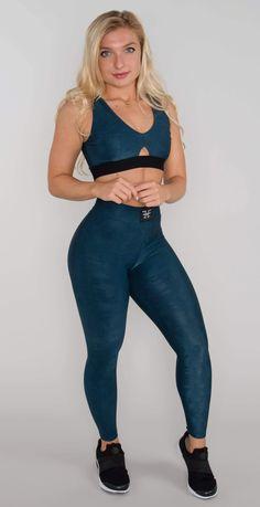 Sports Leggings, Workout Leggings, Cute Gym Outfits, Pretty Black Girls, Stella Mccartney Adidas, Sport Pants, Camo Print, Active Wear, Sexy Women