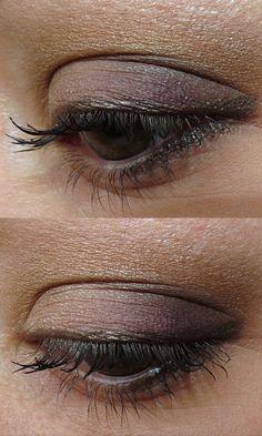 CHANEL Harmonie du Soir Regard Signe de Chanel Quadra Eye Shadow - HOLIDAY 2012    Click through for swatches and review!