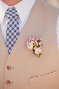 Early Spring Wedding Ideas--OK is this not the sweetest little boutonniere? Wedding Men, Wedding Groom, Wedding Attire, Wedding Events, Wedding Styles, Rustic Wedding, Dream Wedding, Wedding Vendors, Wedding Things