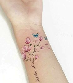 Pin by melissa duffie on tatt ideas татуировки, милые тату, тату с лавандой Mini Tattoos, Flower Tattoos, Small Tattoos, Tattoo Henna, Wrist Tattoos, Body Art Tattoos, Tattos, Henna Art, Tattoo Fonts
