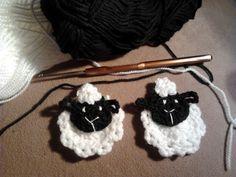 A horgolás-kötés szerelmesei garantáltan hálával emlegetik a bárányokat. Találtam egy édes kis képet itt amitől ötletet véve elkészítettem ...