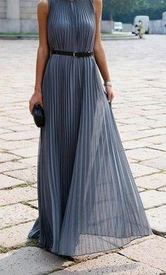 Milan Fashion Week Street Style Spring/Summer 2014 Vogue UK - Halston dress accessorized with a Bottega Veneta clutch. Pretty Dresses, Beautiful Dresses, Gorgeous Dress, Dress Skirt, Dress Up, Dress Belts, Floaty Dress, Look Fashion, Womens Fashion