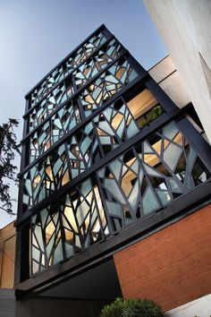 Apartment Building, Tehran. Reza Sayadian + Sara Kalantary. Amazing textured look!