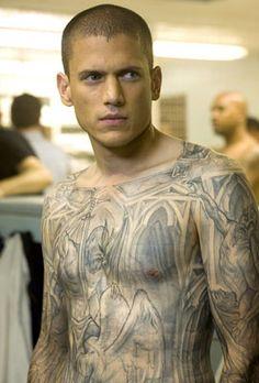 Wentworth Miller...in his Michael Scoffield tattooed bod...omg <3
