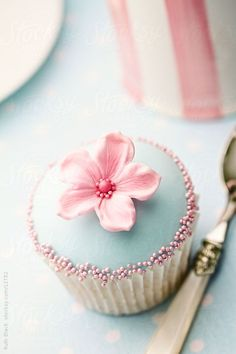 Top 19 Spring & Easter Cupcake Decors – Cheap Easy Wedding Design Party Project - DIY Craft (17)