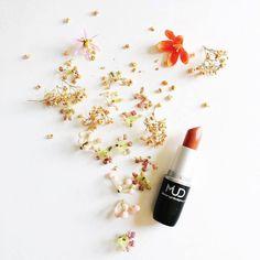 Sheer Lipstick, Makeup Trends, Hollywood, Beauty, Summer, Summer Time, Beauty Illustration