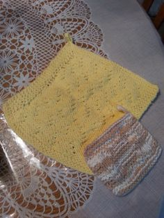 Knitted Springtime cloth - Knitting creation by Mommy Rosie