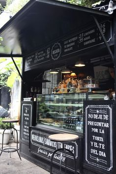 Comercios_innovadores_bilbao_fenomeno_food_truck_camiones - Food Rings Ideas Inspirations Discover I Know It Sounds Crazy But I Want To Own A Food Truck Or Open An Old School Diner I Love Volkswagen Food Truck Carritos De Comida Rapida Comida S Food Trucks, Coffee Carts, Coffee Truck, Deco Cafe, Food Kiosk, Food Truck Business, Food Vans, Food Truck Design, Food Cart Design