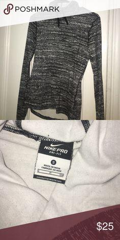 Nike cowl neck pullover Nike cowl neck pullover fleece. Perfect for running/exercise. Warm fleece on the inside! Sweaters Cowl & Turtlenecks