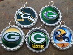 Green Bay Packers wine glass charms for the wine lover in your life.....