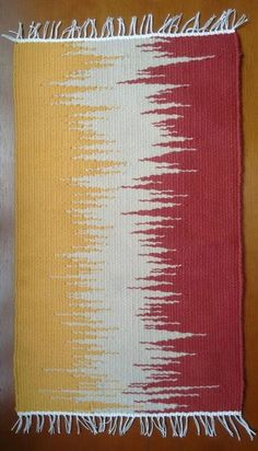 rug in manual loom at Navajo Weaving, Weaving Art, Weaving Patterns, Tapestry Weaving, Loom Weaving, Hand Weaving, Fabric Panel Quilts, Latch Hook Rugs, Weaving Projects