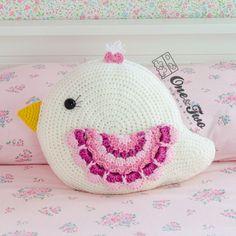Bliss the Bird Pillow - PDF Crochet Pattern - Descarga inmediata - Forest Bird Pillow Crochet Birds, Form Crochet, Cute Crochet, Crochet Animals, Crochet For Kids, Crochet Children, Crochet Decoration, Crochet Home Decor, Crochet Cushions