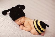 NEW  Baby Bumble Bee  Hat and Tooshy Topper by clicksandcrochets, $35.00