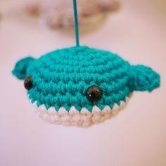 Mobile en bois avec poissons en coton fait main au crochet   Etsy