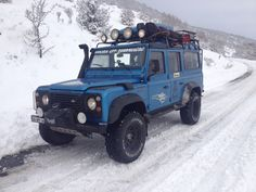 LAND ROVER & SNOW