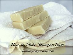 DIY Hair Shampoo Recipes ~ If you can make homemade soap, then you can make shampoo bars. They are rich and creamy, smell wonderful, and best of all, they are good for your hair! Savon Soap, Lye Soap, Castile Soap, Glycerin Soap, Soap Molds, Diy Beauté, Diy Crafts, Diy Shampoo, Homemade Shampoo