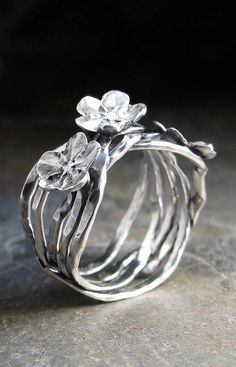 Forget-me-not Vine Ring in sterling silver – Silver Jewelry Metal Clay Jewelry, Gold Jewelry, Jewelry Necklaces, Jewellery Box, Jewellery Shops, Glass Jewelry, Charm Jewelry, Jewelry Stores, Handmade Sterling Silver