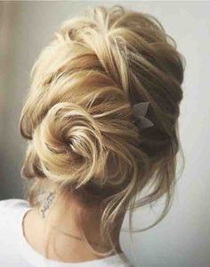 Fancy Hairstyles Tutorial for Stylish Diva Look. Women are crazy about fancy hairstyles. Easy Updo Hairstyles, Prom Hairstyles For Short Hair, Short Hair Updo, Wedding Hairstyles, Formal Hairstyles, Brown Hairstyles, Hairstyle Ideas, Prom Hair Medium, Medium Hair Styles