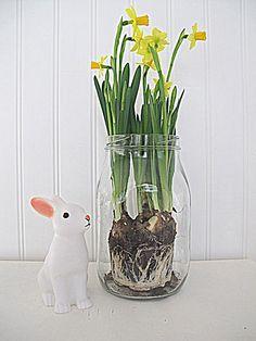 Loving White: Viikonloppuna April Showers, Easter Crafts, Happy Easter, Girls Bedroom, Spring Time, Vase, Homes, Seasons, Holidays
