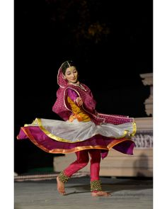Kathak Costume, Indian Classical Dance, Dance Images, Indian Folk Art, Heritage Month, Dance Art, Indian Style, Indian Fashion, Dancing