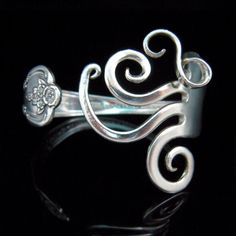 Another really cool fork bracelet...