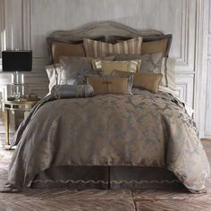 Waterford Walton King Comforter by Waterford Bedding : The Home Decorating Company