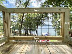 DIY Hog Wire Deck Railing Porch Step Railing, Wire Deck Railing, Hog Wire Fence, Deck Railing Design, Diy Fence, Deck Design, Railings For Decks, Fence Landscaping, Rustic Deck