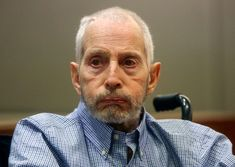 Durst court hearing opens with letter about body  LOS ANGELES (AP)  The Latest on the murder case against New York real estate heir Robert Durst (all times local):  12:15 p.m.  Prosecutors have opened a court hearing in the murder case against New York real estate heir Robert Durst with photos of a letter directing them to the body of his slain friend.  A former Los Angeles police criminalist testified Monday that the letter was addressed to Beverly Hills police with the citys name…