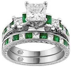 BEAUTIFUL! Diamond and Emerald wedding ring set!