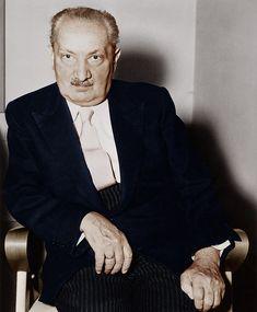 O filósofo Martin Heidegger em foto colorizada de 1959