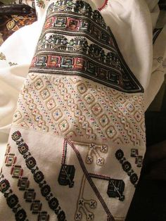 Folk Embroidery, Alexander Mcqueen Scarf, Textiles, Moldova, Costume, Traditional, Romania, Blouse, Shirts