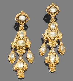 gold and chysoberyl pendent earrings, circa 1830 Cute Jewelry, Jewelry Art, Gold Jewelry, Jewelery, Jewelry Accessories, Jewelry Design, Antique Gold, Antique Jewelry, Vintage Jewelry