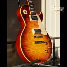 I'd like some scones to go with that please. Gibson '59 Les Paul Standard Reissue in Sunrise Teaburst.