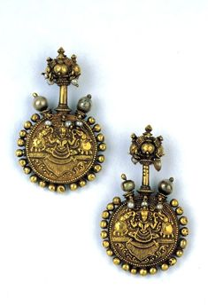 India   Double-sided gold earrings with pearls   Travancore, possibly 16th century   Susan L. Beningson Collection #GoldJewellery16ThCentury