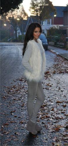 Faux: H - Jeans: Vero Moda - Wedges: Primark