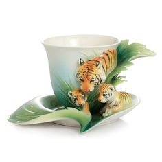 Cup/Saucer, Tiger/Baby.