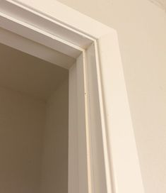 5 Panel Door from a Flat Hollow Core Door (Remodelaholic) Mobile Home Renovations, Mobile Home Makeovers, Diy Barn Door, Diy Door, 5 Panel Doors, Door Panels, Wooden Living Room Furniture, Diy Furniture, Diy Interior Doors