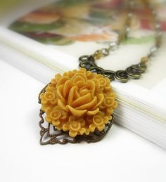 Honey Gold Victorian Style Necklace Romantic by jewelrybyNaLa, $34.95