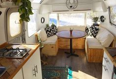 Epic Top 60+ DIY Camper Interior Remodel Ideas You Can Try Right Now https://decoor.net/top-60-diy-camper-interior-remodel-ideas-you-can-try-right-now-970/