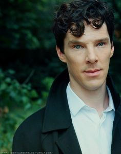 I dont know who this guy is but he's ugly and creeps me out <------ WHAT?! NO. THAT IS FREAKING BENEDICT CUMBERBATCH AND HE IS NOTHING SHORT OF PERFECTION.