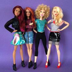 Los modelazos 👚👖👗👘👠👢👟❤️👌... #barbie #barbiestyle #barbiedoll #barbiefashionistas #muñecabarbie #curvybarbie #tallbarbie #petitebarbie #barbiecollector #dollcollector #fashionistas #rubia #morena #pelirroja #asiandoll #blackdoll #madetomovebarbie #madetomove #dollstagram #dollsgram #instadoll #barbiegram #barbiefashionistas2015 #barbiefashionistas2016 #thedollevolves #barbielover