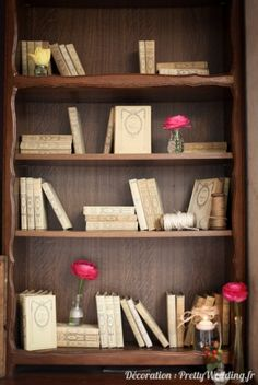 #livre #bois #fleurs #décoration #babyshower #pretty #wedding @Pretty Wedding