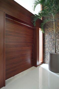 Puertas de entrada de estilo de Arquitetura e Interior