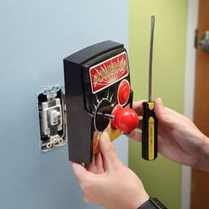 13. Interruptor de luz temática de arcade.