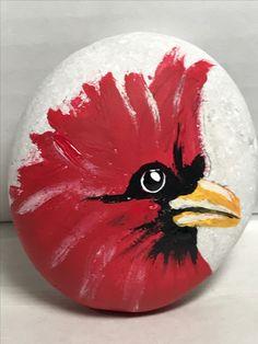 Cardinal bird on rock Pebble Painting, Pebble Art, Stone Painting, Diy Painting, Painted Rock Animals, Painted Rocks Craft, Hand Painted Rocks, Painted Stones, Rock Painting Ideas Easy