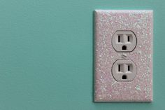 DIY Glitter Light Switch Plates and Outlet Covers. Easy and fun home decor project!