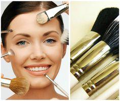 Sabías que las sombras claras dan la ilusión de un ojo más grande, a´si que si tus ojos son pequeños, maquíllalos con tonos marfil, beige o hueso.   http://maquillajetonos.com/