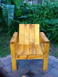 Patio Chair made from palletts.