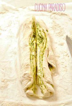 Pane variegato al pesto #cucinaparadiso #pesto #basilico #homemade #pecorino #lievitomadre #pestobread #swirld #basil