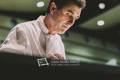 """Raúl Fernández, gran cocinero navarro que estuvo en el concurso en Hondarribia. Lo tenéis en el bar Chelsy de Pamplona, en la calle Iturrama, 20 (Tfno. 948 252830). Nos hizo  un """"Canutillo de brandada de bacalao con pulpo, emulsión de gilda con aceite de arbequina de Artajo y aroma de naranja"""" y obtuvo el Premio La Bacaladera al mejor pintxo de bacalao. Cómprate un libro de campeonato http://www.campeonatodeeuskalherriadepintxos.com/tienda/ #Hondarribia  #Pintxos  @hondarribiaturi"""